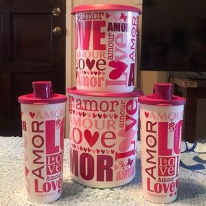 Set of 4 Love 💕 containers